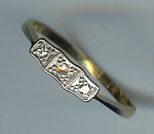 Very Pretty Art Deco 3-Stone Diamond Ring