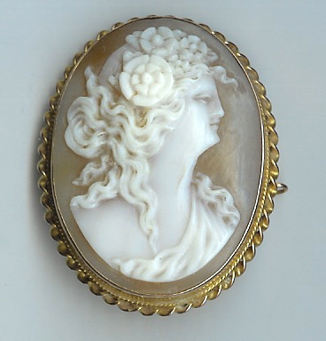 Lovely Old Rose Gold Cameo Brooch