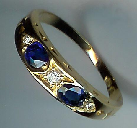Stunning Old Sapphire and Diamond 5-Stone Ring