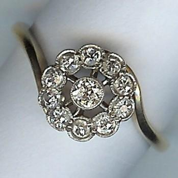 Very Pretty Old 11-Stone Diamond Cluster Ring