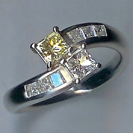 Very Beautiful Cross-over Diamond Ring