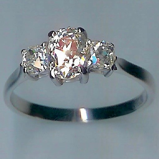 Spectacular 3-st Diamond Ring, Vintage Diamonds,1.79ct tot apprx