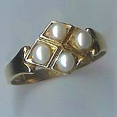 Attractive Old 4-Stone Pearl Ring