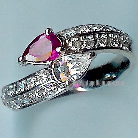 Stunning Twist Diamond & Ruby-Red-Stone multi-stone Ring