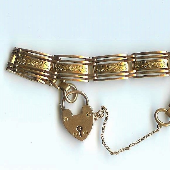 Pretty 5-Bar Engraved Gate Bracelet