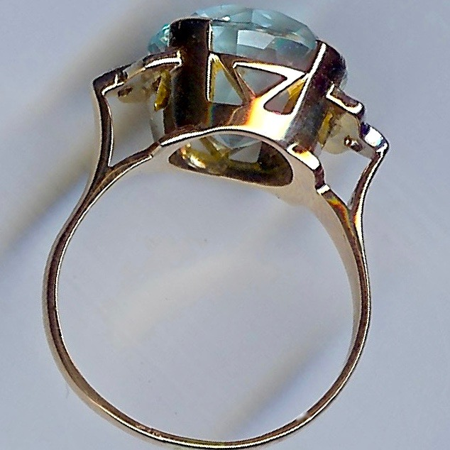 Truly Remarkable Aquamarine & Diamond Vintage Ring