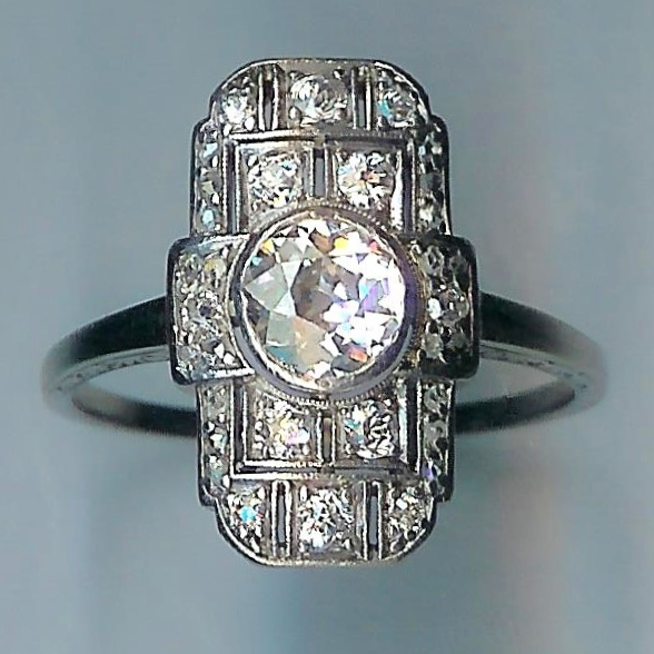 Marvellous Art Deco Diamond Cluster Ring