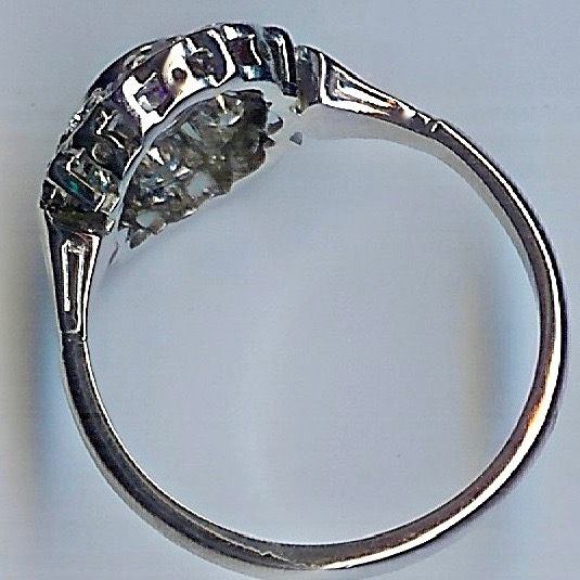 Desirable 1930s Diamond Cluster Ring