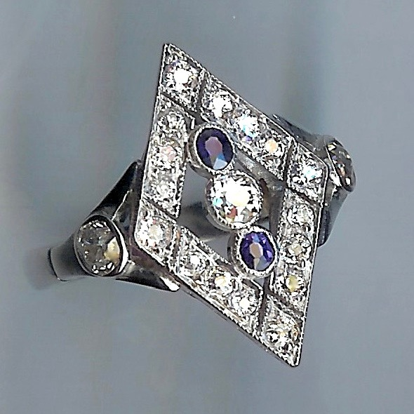 Fabulous Sapphire & Diamond Cluster Ring, 21-stones.